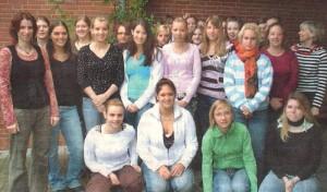 28 Schülerinnen der Elisabeth-von-Rantzau-Schule haben sich beim Verein für Suizidprävention zu Krisenberaterinnen fortbilden lassen.
