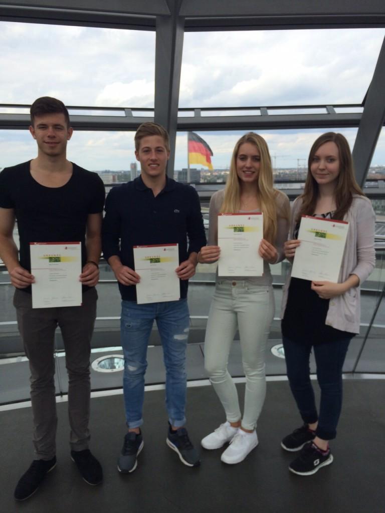 Die Preisträgerinnen des Geschichtswettbewerbs des Bundespräsidenten