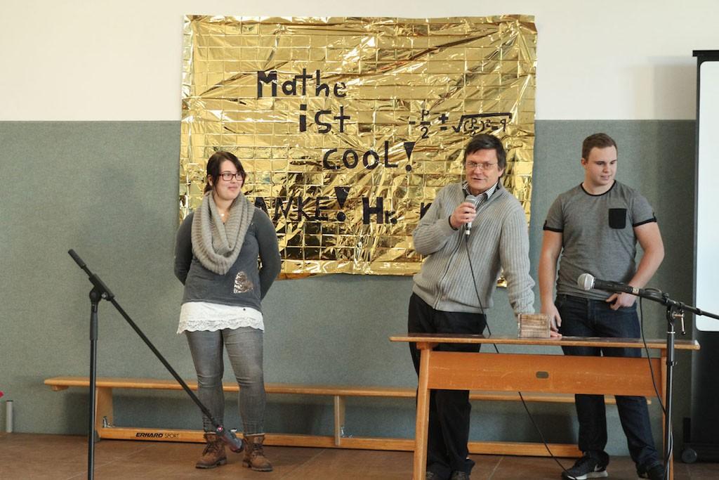 Christoph Kibler und Schüler der Fachoberschule